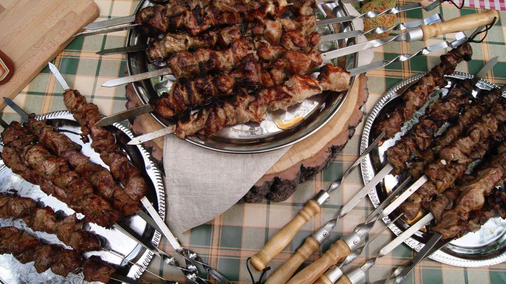 shashlyki-15-porcij-telyatina-svinina-baranina